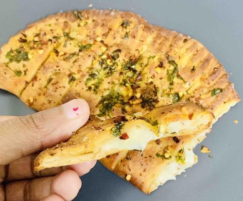 Multigrain Garlic Cheese Bread