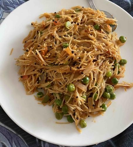 Vermicelli with Chilli Garlic Sauce