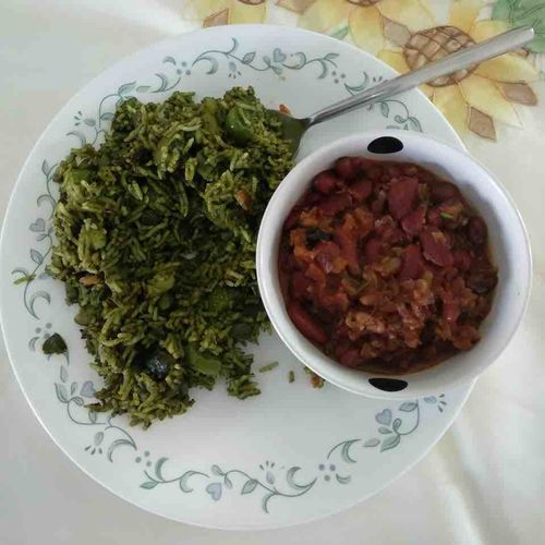 Spinach Rice with Rajma