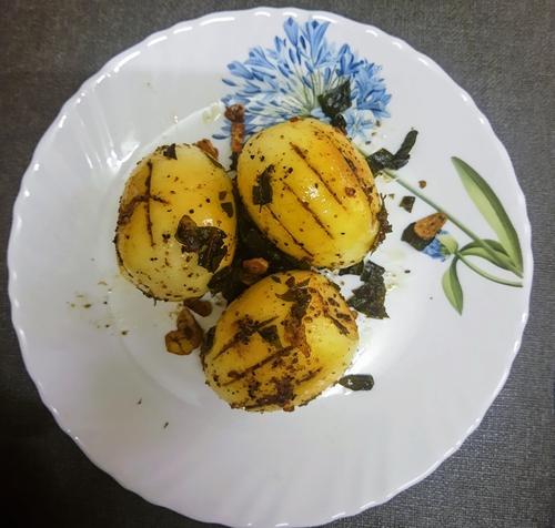 Egg Black Pepper Ghee Roast