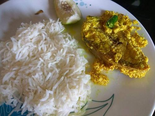 Steamed fish in mustard
