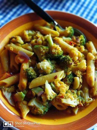 Broccoli and Lentils Pasta