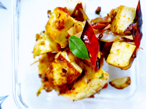 Paneer with south Indian tadka