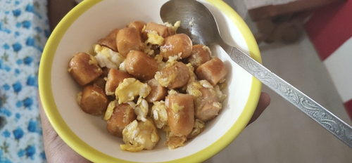 chicken sausage and scrumbled egg