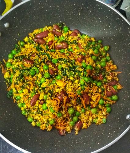 Tofu Scramble with Peas and Beans