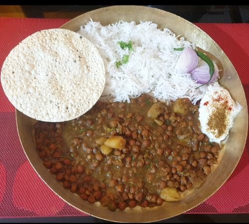 Kala Chana- Aalu & Rice