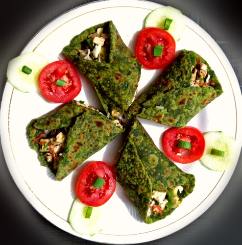 Spinach Cottage Cheese Roll (Palak paneer roll)