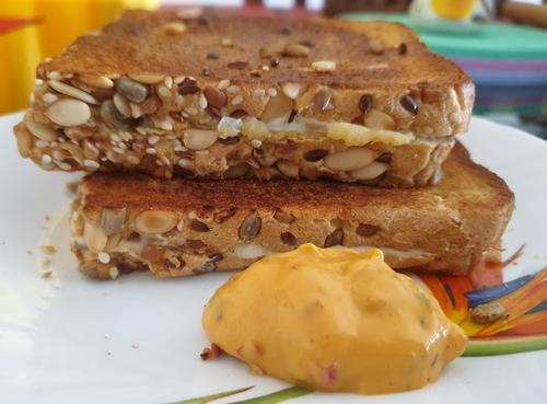 Cheese Potato Sandwich with Harrisa Dip