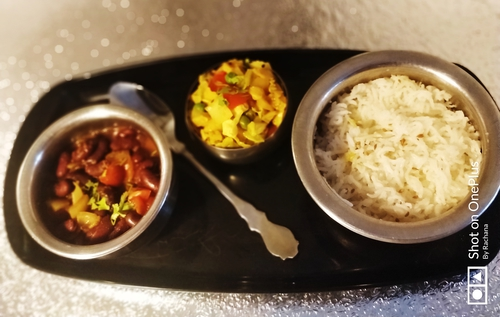 Tummy full lunch / dinner :- Rajma Rice and veggies