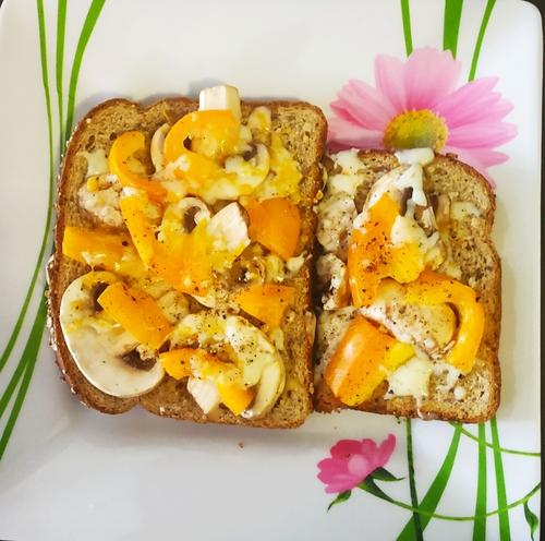 Mushroom+Capsicum 🧀 sandwich