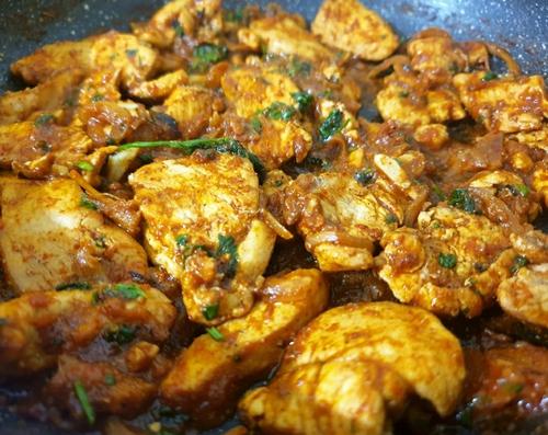 ढाबा style Chicken