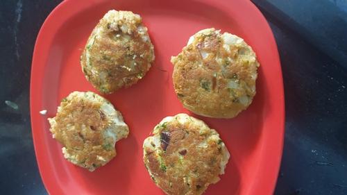 Cheesy Soya- Paneer cutlets